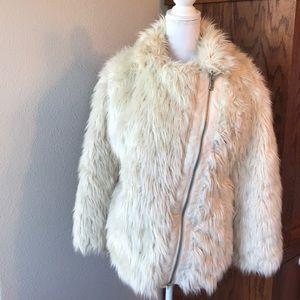 H&M faux fur ivory zip front fluffy fur coat EUC